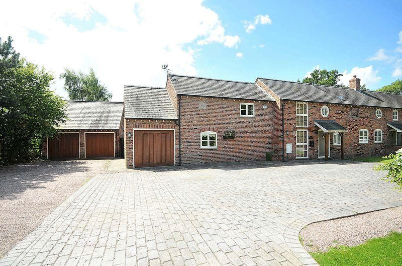 4 Bedrooms Barn Conversion Character Property for sale in Pudding Lake Barn, Byley