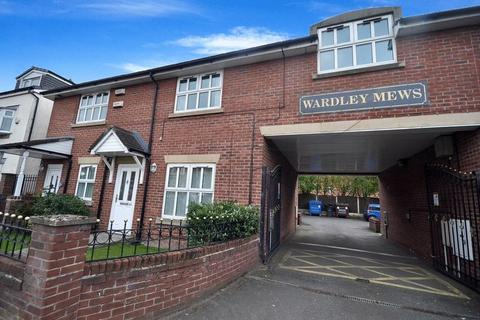 3 bedroom apartment to rent - Manchester Road, Swinton, Manchester