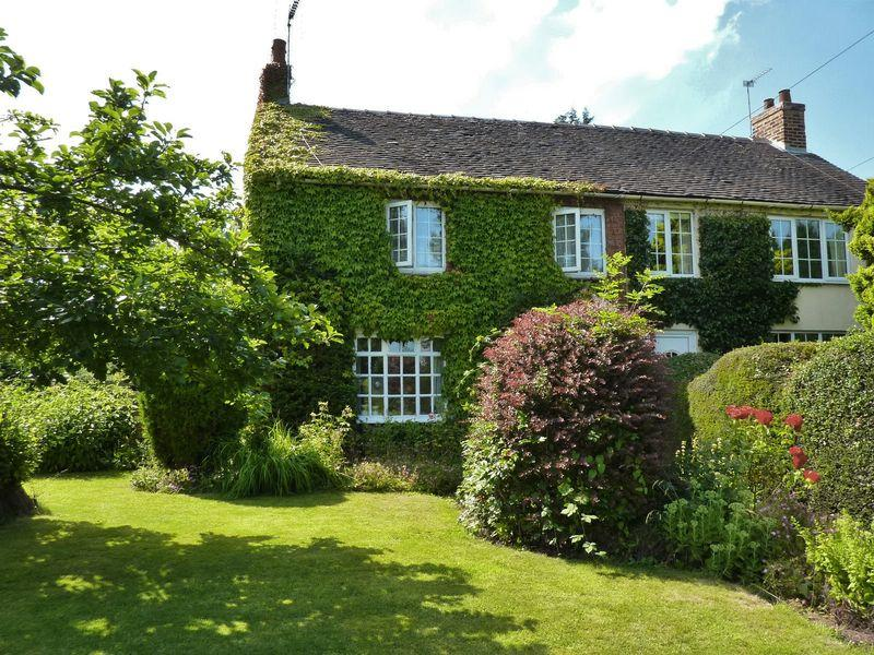 3 Bedrooms Cottage House for sale in Bramley Cottage, Main Road, Elvaston