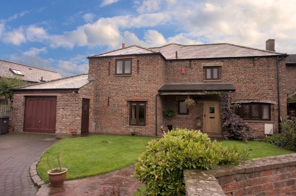 5 Bedrooms Detached House for sale in Rivendell, Linstock