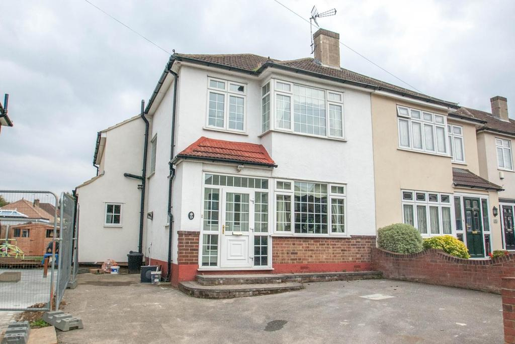 5 Bedrooms Semi Detached House for sale in Spital Lane, Brentwood, Essex, CM14