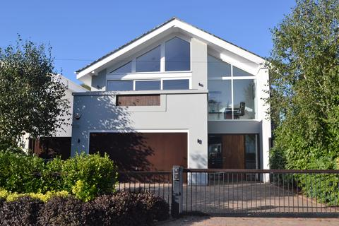 4 bedroom detached house for sale - Chaddesley Glen, Canford Cliffs BH13