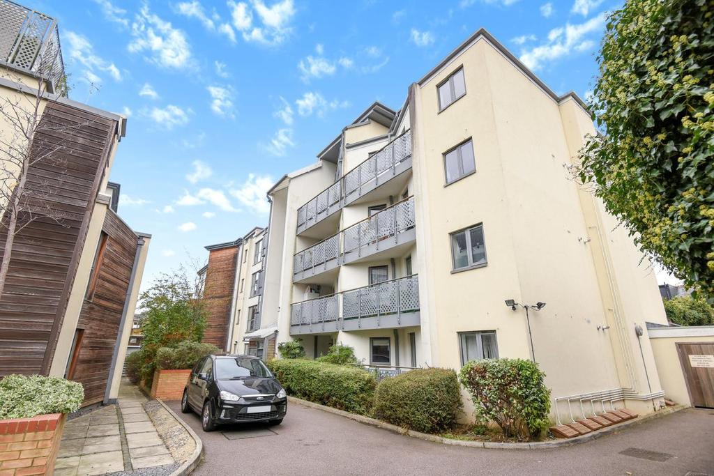 2 Bedrooms Flat for sale in Peckham Rye, Peckham, SE15