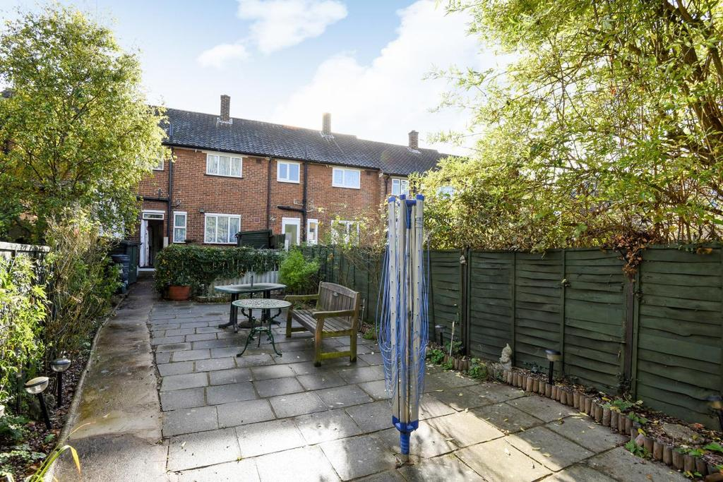 3 Bedrooms Terraced House for sale in George Lane, Lewisham, SE13