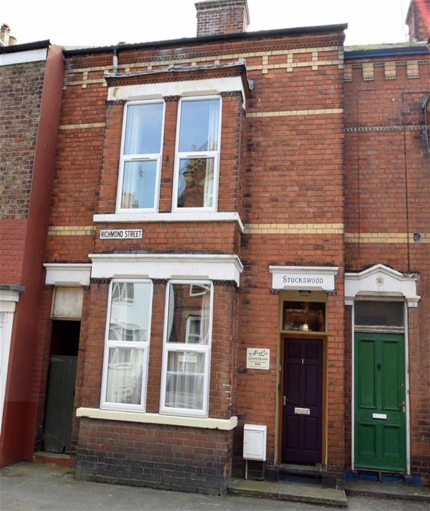 4 Bedrooms Terraced House for sale in Richmond Street, Bridlington, East Yorkshire, YO15