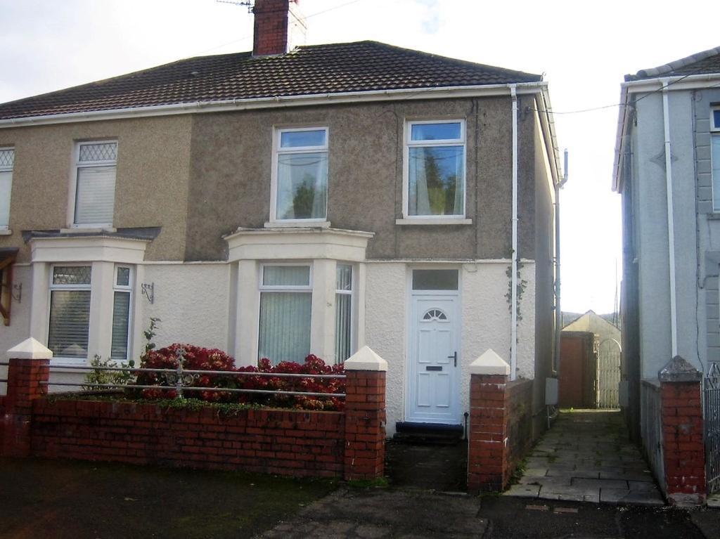 2 Bedrooms Semi Detached House for sale in Tynybonau Rd, Pontarddulais