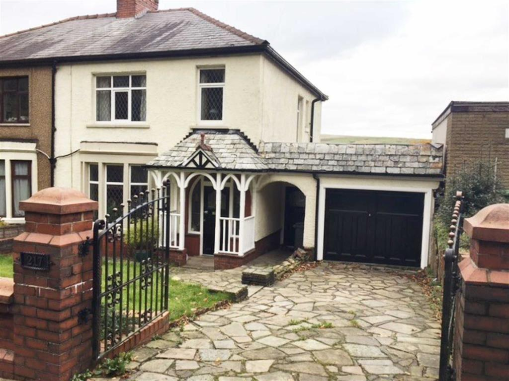 4 Bedrooms Semi Detached House for sale in Manchester Road, Accrington