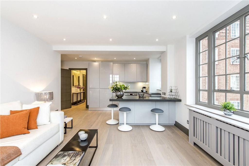 1 Bedroom Flat for sale in Swan Court, Chelsea Manor Street, Chelsea, London, SW3