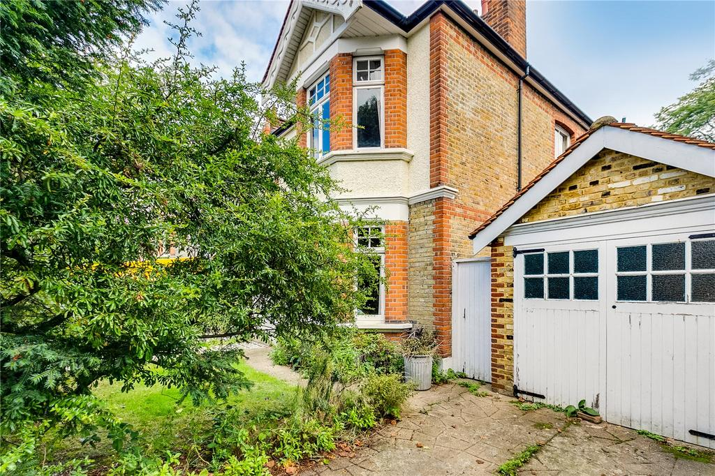 4 Bedrooms Semi Detached House for sale in Kitson Road, Barnes, London