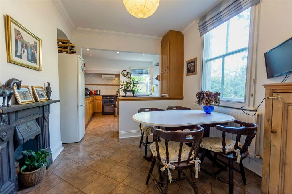 4 Bedrooms End Of Terrace House for sale in St Olaves Road, Bootham, YORK