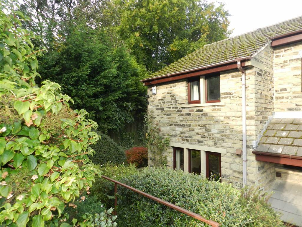 2 Bedrooms End Of Terrace House for sale in St Marys Mews, Honley, Holmfirth, HD9