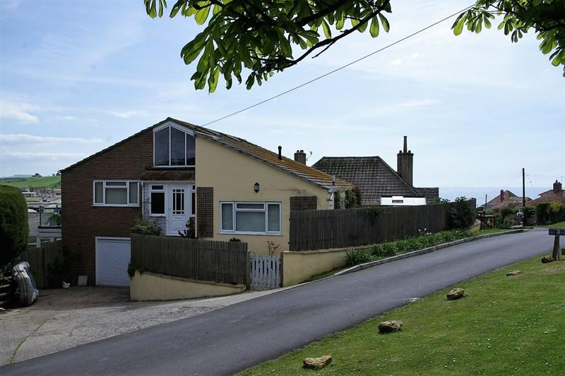 5 Bedrooms Detached House for sale in Meadway, West Bay, Bridport