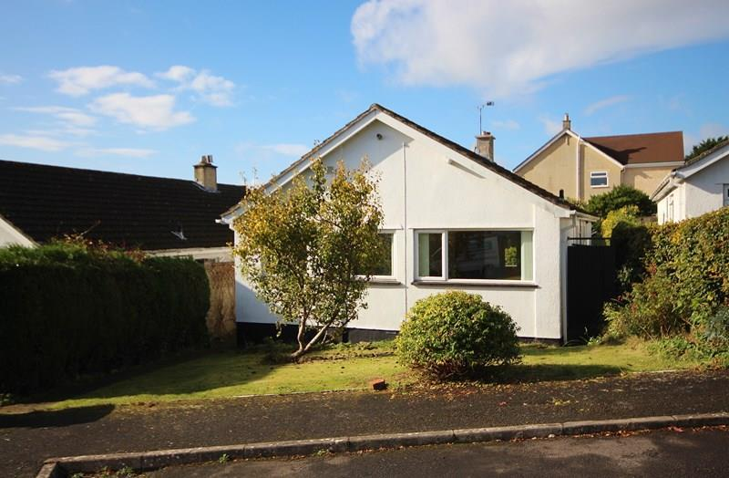 3 Bedrooms Detached Bungalow for sale in Bell Close, Farmborough, Bath