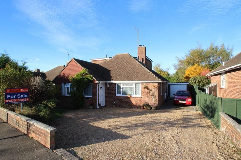 3 Bedrooms Bungalow for sale in Fairfield Crescent, Hurstpierpoint, Hassocks