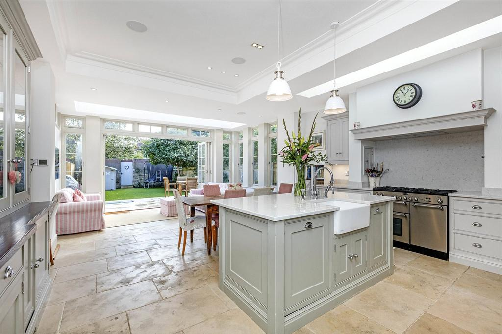 5 Bedrooms Semi Detached House for sale in Grange Road, Barnes, London, SW13