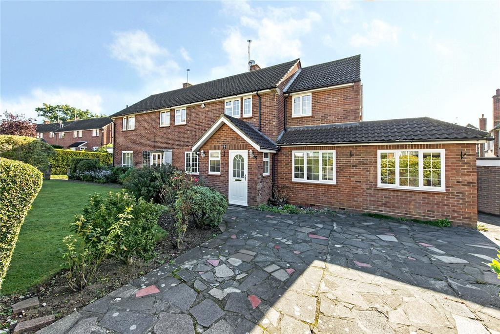5 Bedrooms Semi Detached House for sale in Latimer Close, Pinner, Middlesex, HA5