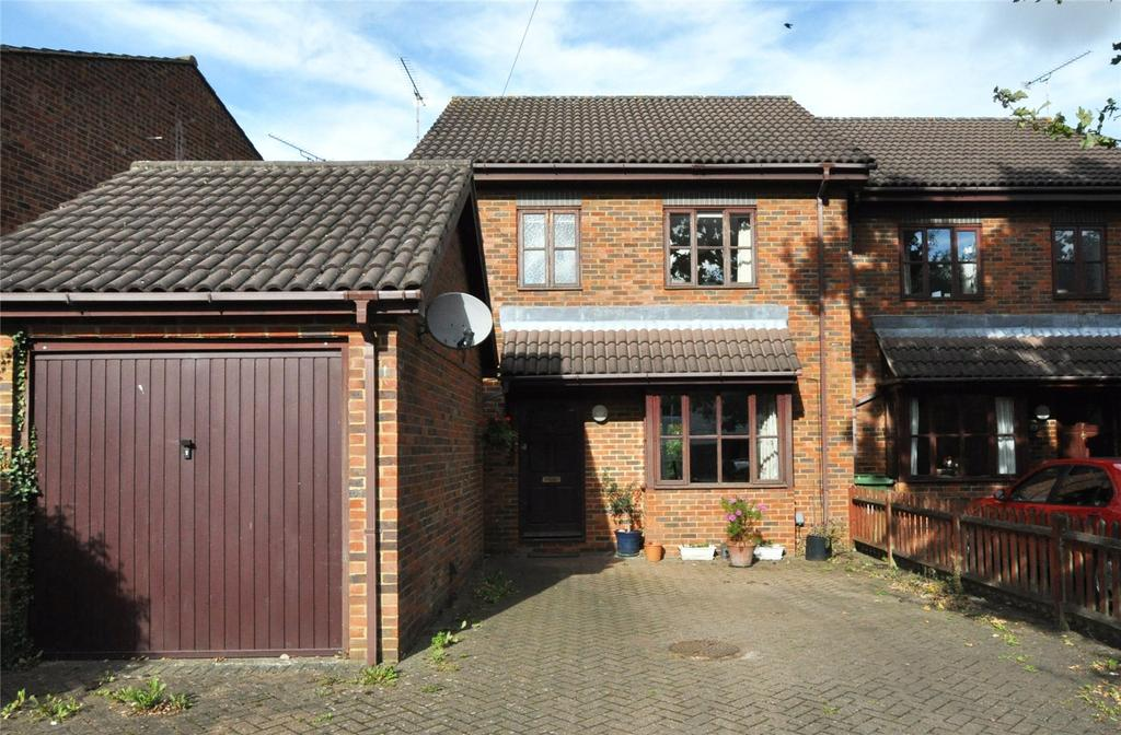 3 Bedrooms Semi Detached House for sale in Cedarwood Drive, St. Albans, Hertfordshire