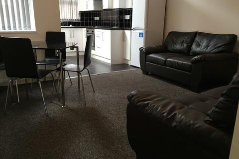3 bedroom house to rent - Chilworth St, Rusholme, Manchester m14