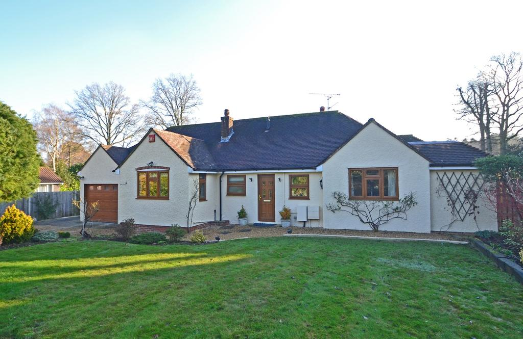 3 Bedrooms Detached Bungalow for sale in Newhouse Lane, Storrington, West Sussex, RH20