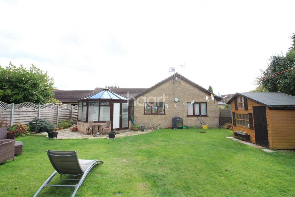 4 Bedrooms Bungalow for sale in Caistor Close, Doddington Park, Lincoln, LN6