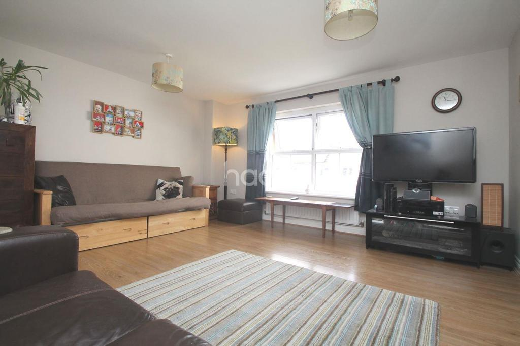 3 Bedrooms Terraced House for sale in Junction Gardens, St Judes