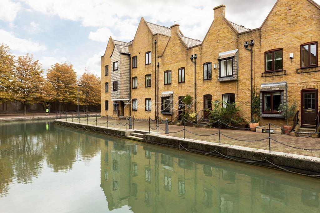 3 Bedrooms Terraced House for sale in Waterman Way, Wapping, E1W