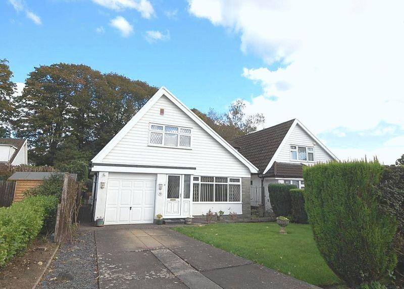 3 Bedrooms Detached Bungalow for sale in 4 Ffrwd Vale, Neath, SA10 7BA