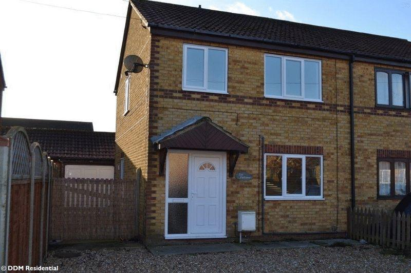 3 Bedrooms Semi Detached House for sale in Fulford Crescent, New Holland