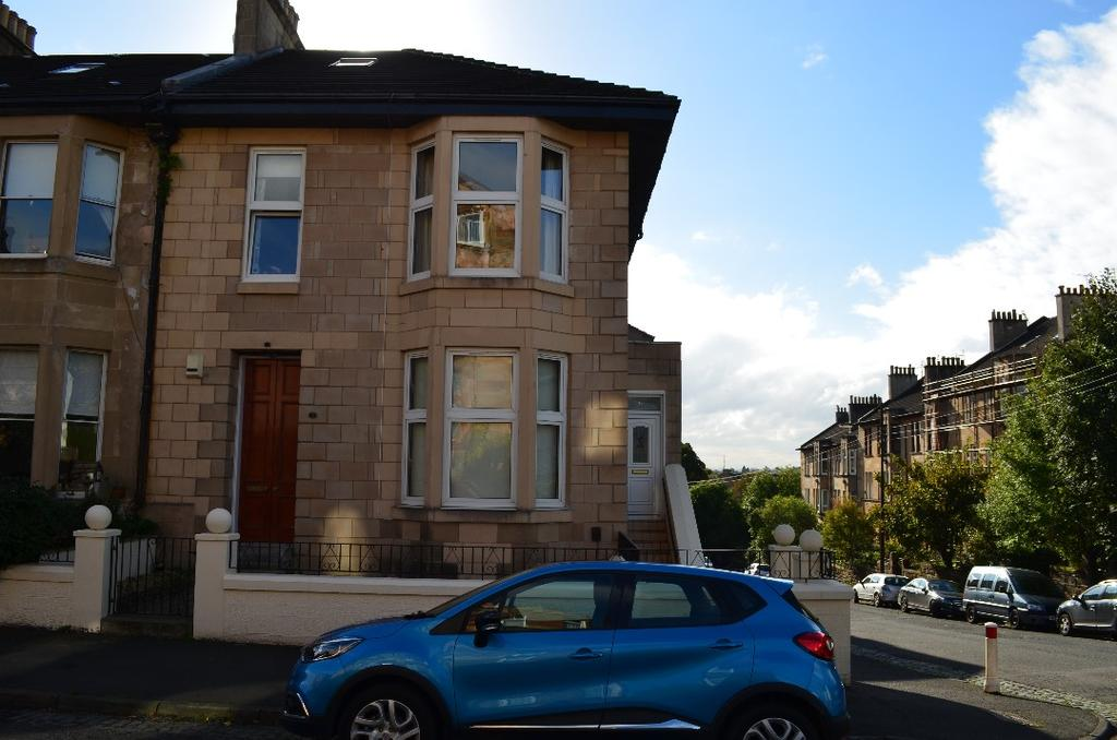 3 Bedrooms Flat for sale in Dungoyne Street, Maryhill Park, Glasgow, G20 0BA