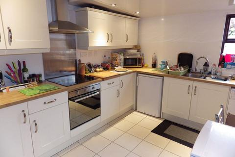 4 bedroom house to rent - Friars Avenue