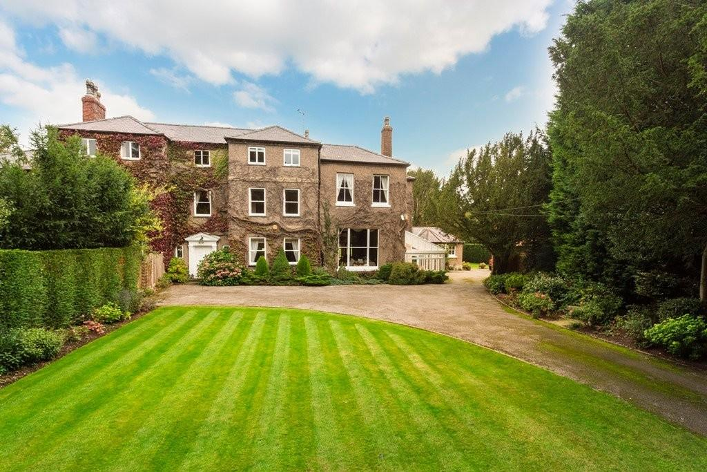 4 Bedrooms House for sale in Church Road, Rolleston On Dove, Staffordshire
