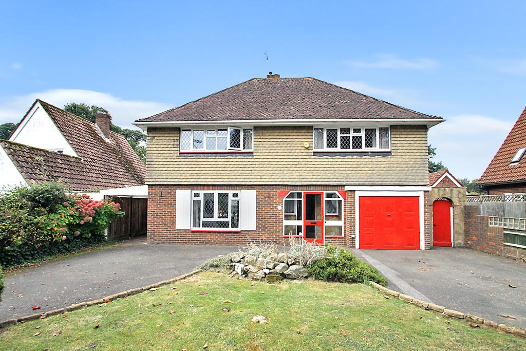 5 Bedrooms Detached House for sale in Aldsworth Avenue, Goring-by-sea, Worthing, BN12 4XG