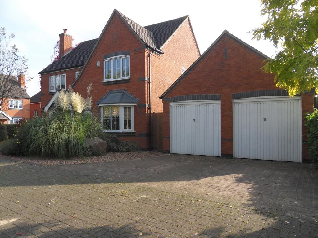 4 Bedrooms Detached House for sale in Ralph Close, Loughborough
