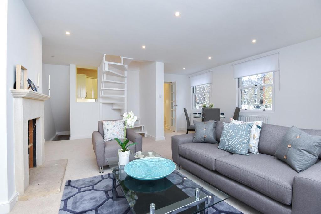 2 Bedrooms Flat for sale in Shelgate Road, Battersea, SW11