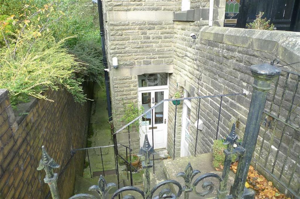3 Bedrooms Apartment Flat for sale in St James Terrace, Buxton, Derbyshire