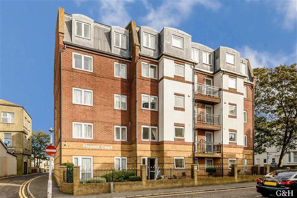 2 Bedrooms Retirement Property for sale in Pleydell Gardens, Folkestone, Kent