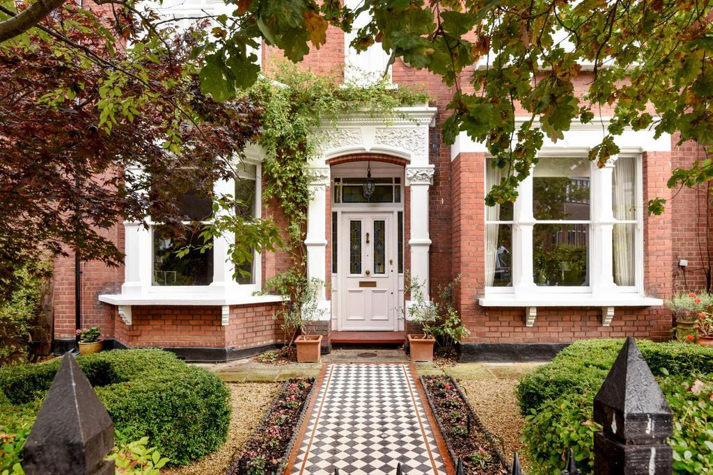5 Bedrooms Semi Detached House for sale in Talbot Road, Highgate, N6