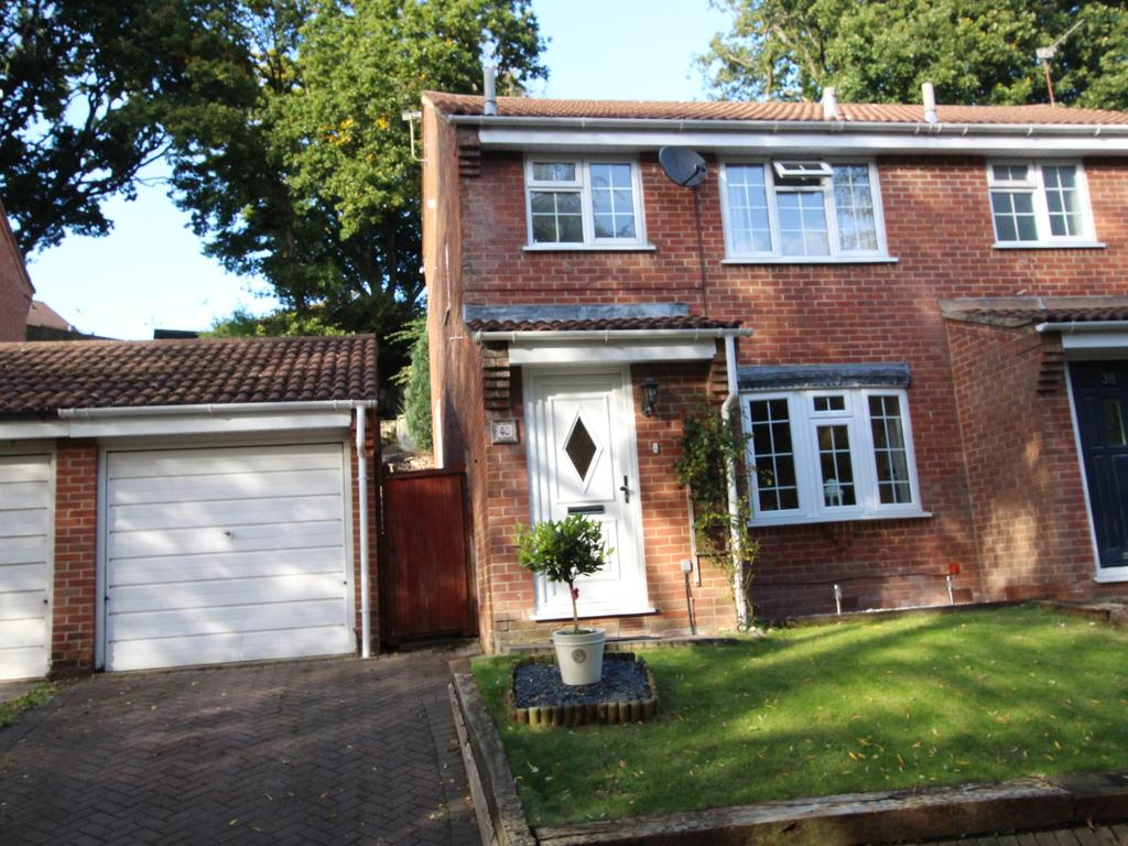 3 Bedrooms Semi Detached House for sale in DIBDEN PURLIEU