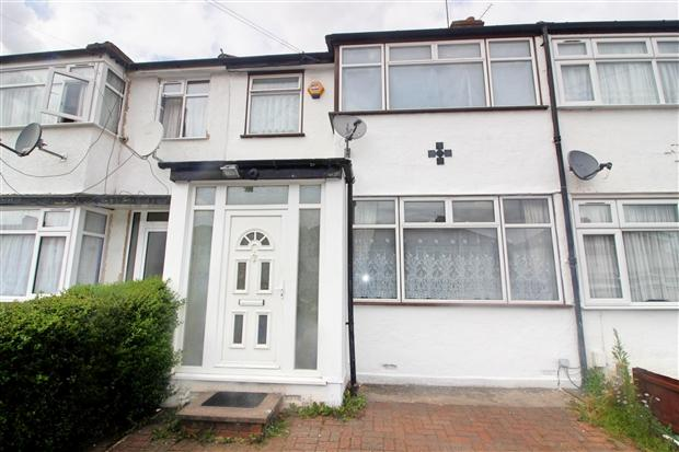 3 Bedrooms Terraced House for sale in Reynolds Drive Edgware Harrow HA8