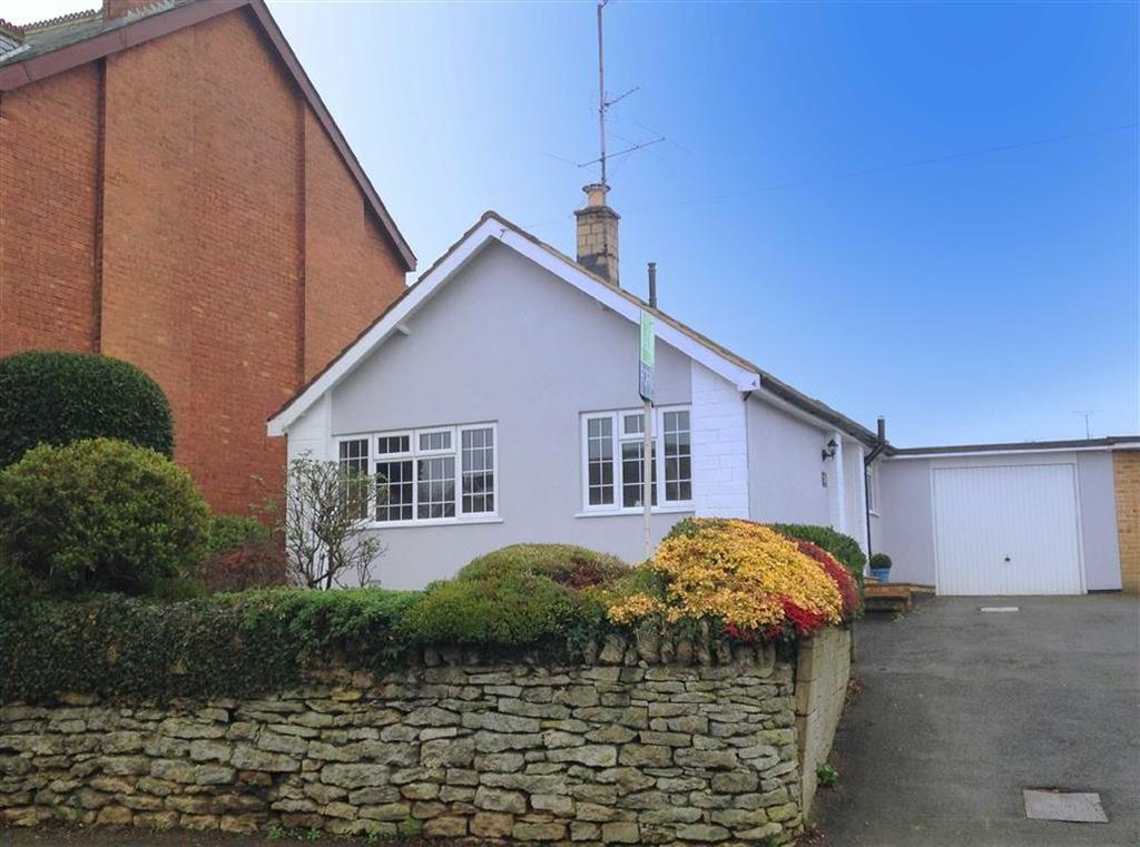 3 Bedrooms Detached Bungalow for sale in Church Road, Leckhampton, Cheltenham, GL53