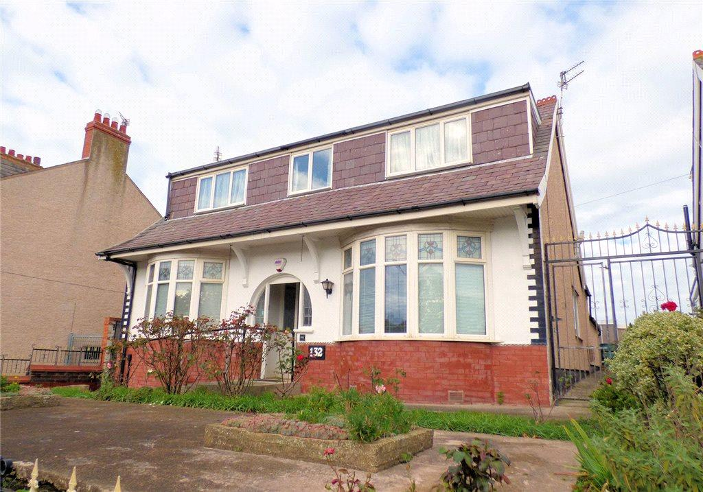 3 Bedrooms Detached Bungalow for sale in Warley Road, Blackpool, Lancashire