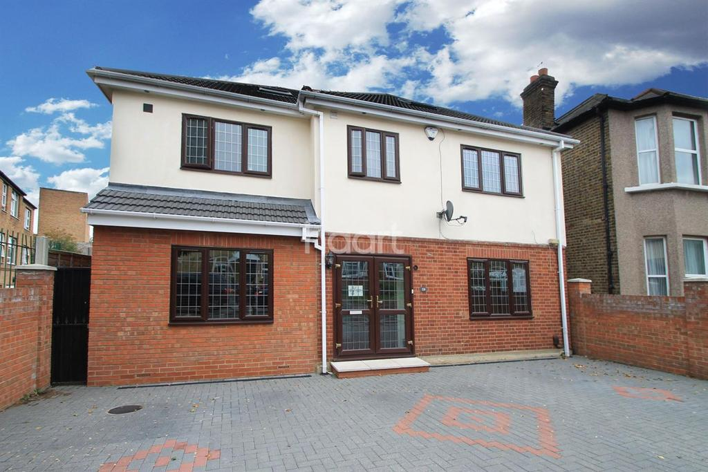 4 Bedrooms Detached House for sale in Jefferson Close, Gants Hill