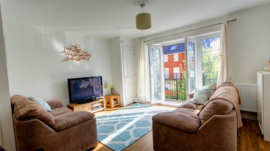2 Bedrooms Flat for sale in Wells View Drive, Bromley, Kent