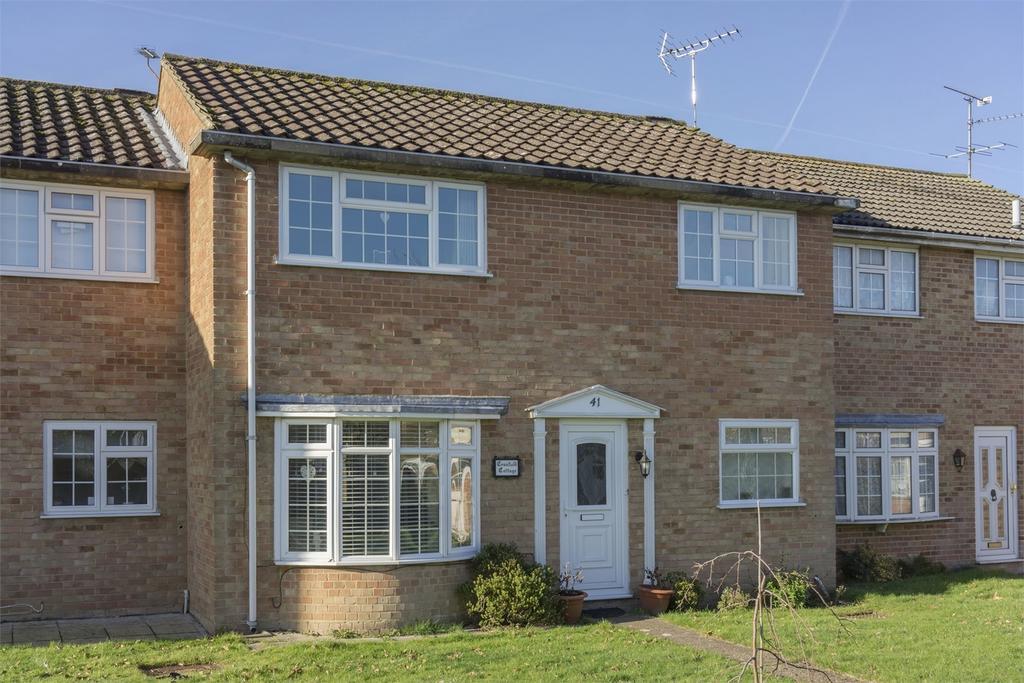 3 Bedrooms Terraced House for sale in Badshot Lea, Farnham, Surrey