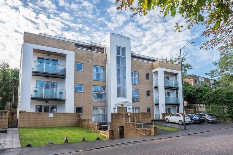 2 Bedrooms Flat for sale in Surrey Road, Bournemouth