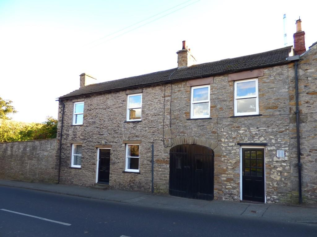 3 Bedrooms Barn Conversion Character Property for sale in Wayside, West Witton
