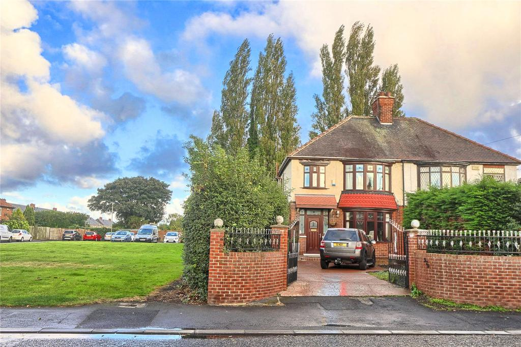 4 Bedrooms Semi Detached House for sale in Thornaby Road, Thornaby