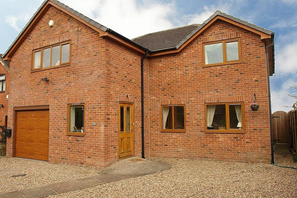 4 Bedrooms Detached House for sale in The Smithy, 18a Thornham Old Road, Royton