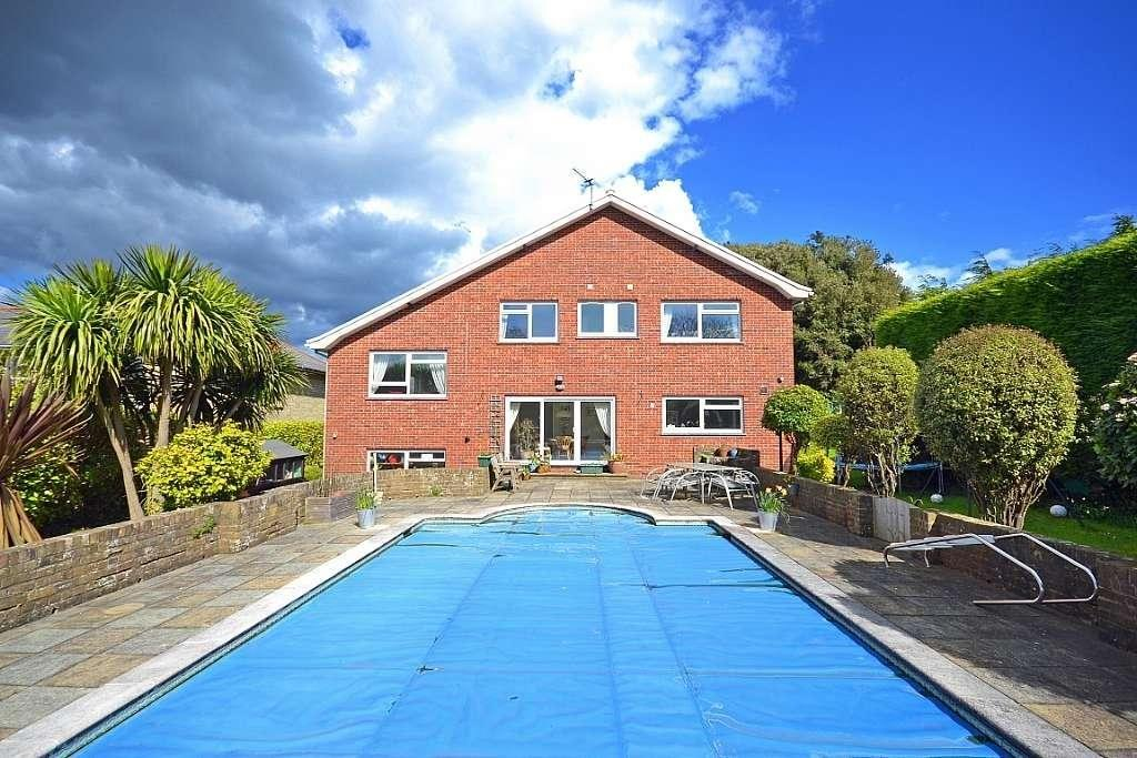 6 Bedrooms Detached House for sale in Luccombe Road, Shanklin Old Village