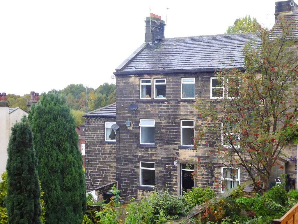 2 Bedrooms Terraced House for sale in Coal Hill Lane, Farsley